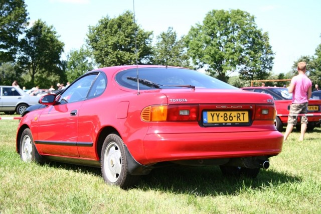 Brother and sister: two Toyota Celica ST AT180s