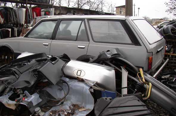 Toyota Carina CA67 (1C) van wreck