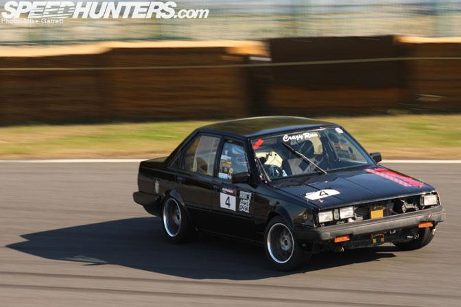 Black Carina GT-R AA63 on Tsukuba circuit drifting