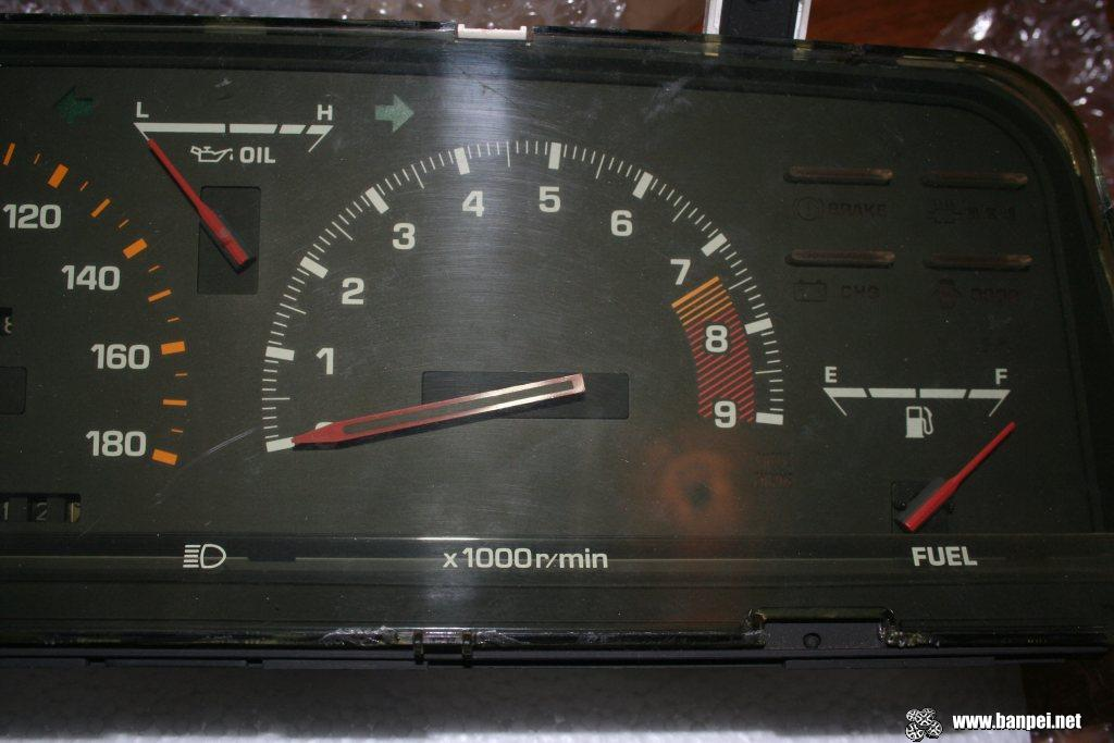 Carina GT-R AA63 cluster, zoom in tachometer