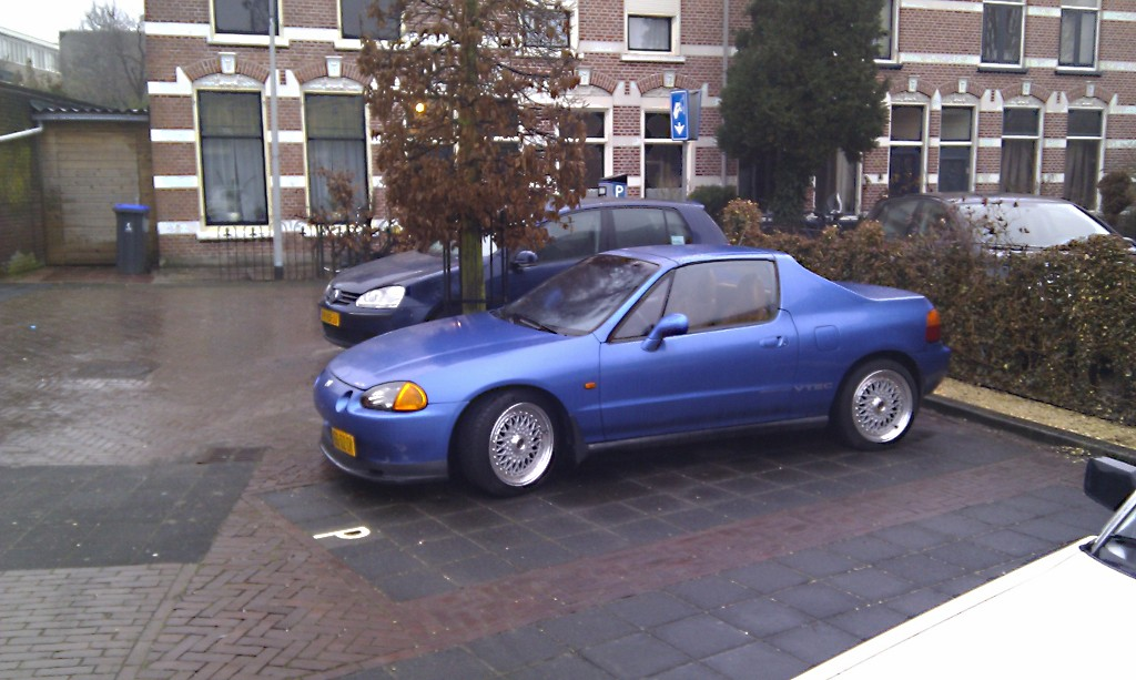 Down on the street: Honda CRX del sol