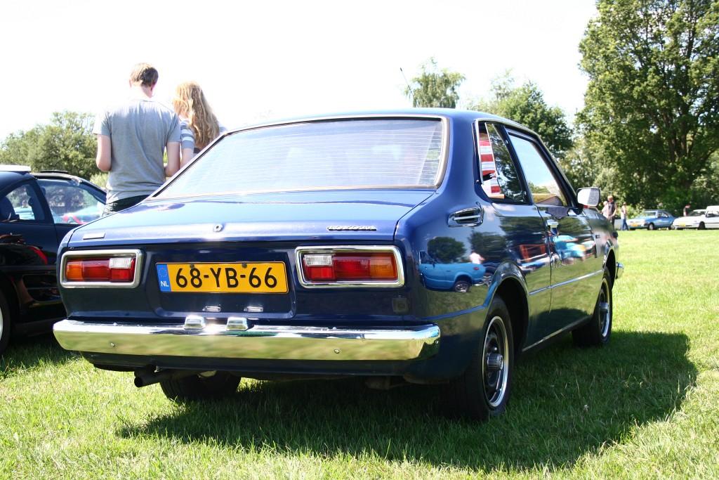 Two Corolla KE30s