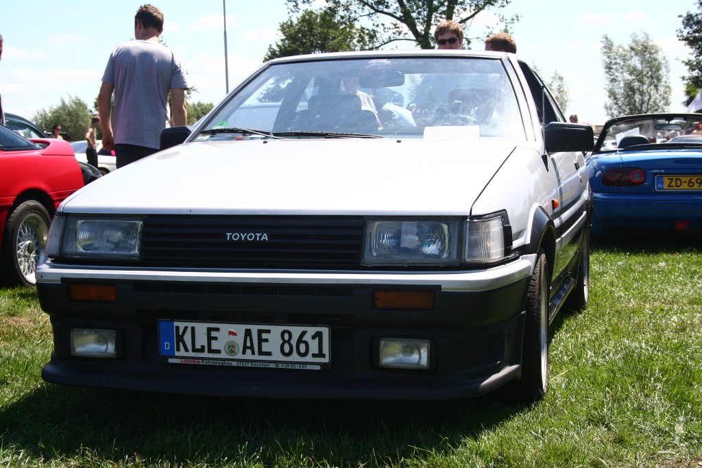 German Corolla AE86 in Haselbeck trim