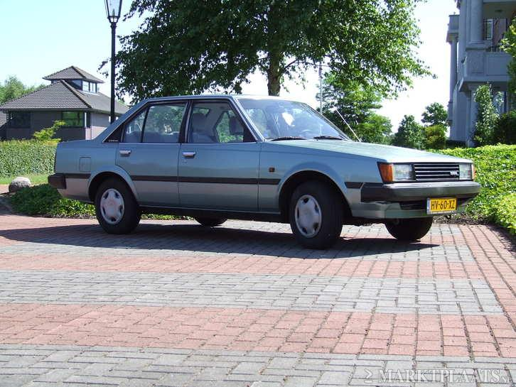 Metalic green Carina GL TA60