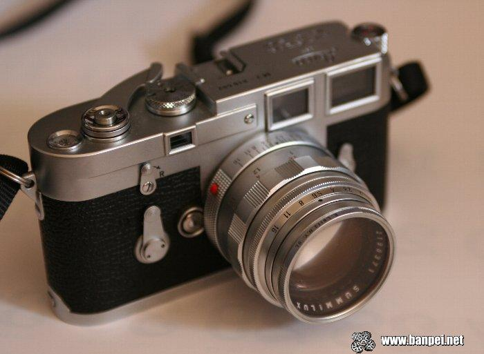 Vintage camera with Leica Summilux-M 50/1.4 lens
