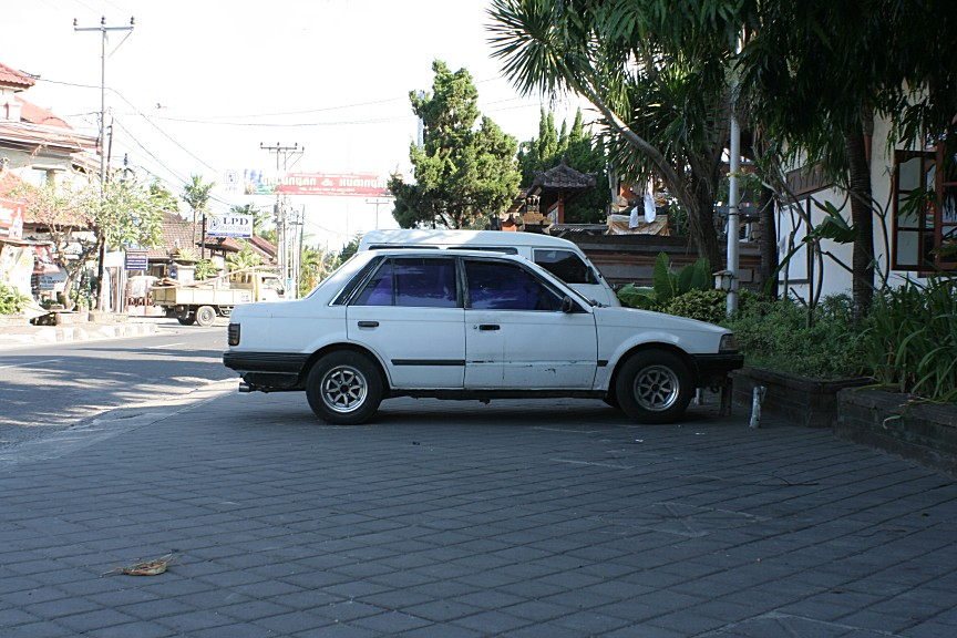 Ford Laser / Mazda Familia (323) on Longchamps