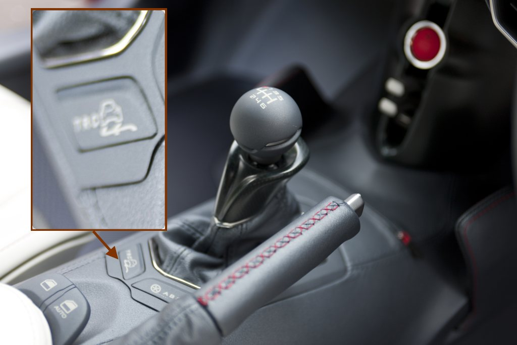 Toyota FT-86 concept with 6 speed gearbox and drift button!