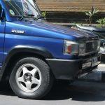 Bali: ubiquitous Toyota Kijang KF42