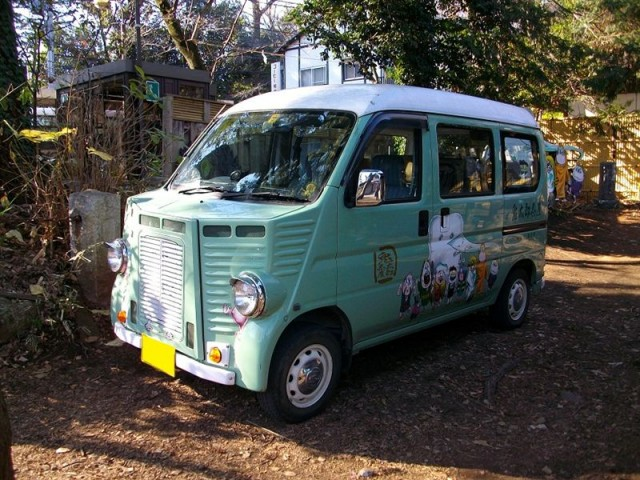 Japanese retro styled van