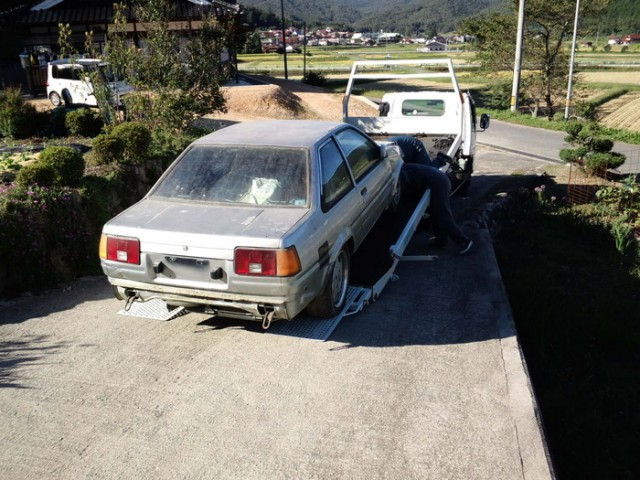 Toyota Sprinter Trueno AE86 barn find
