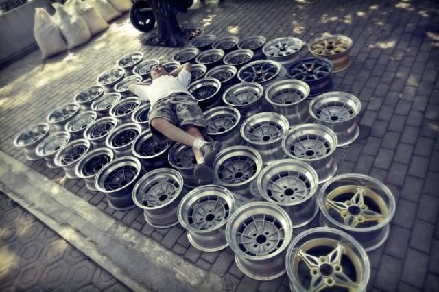 Vintage wheel bed
