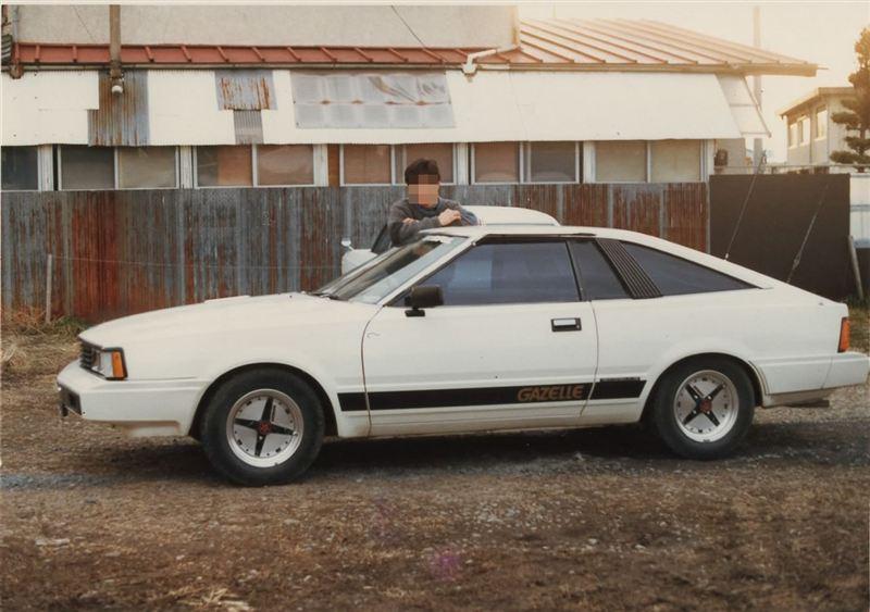 Nissan Gazelle S110 with Hoshino Impul rims