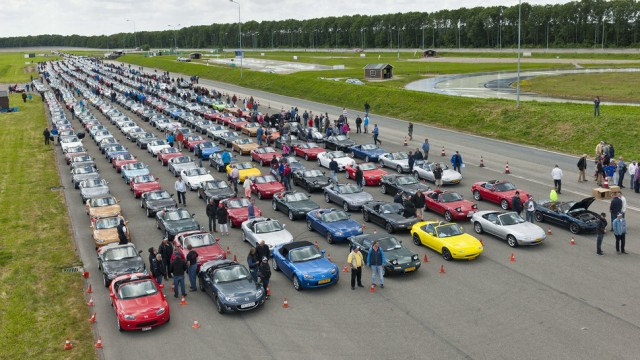 Count the number of MX5s!