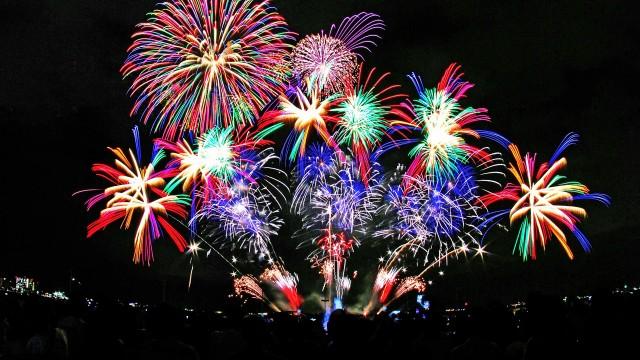 http://www.banpei.net/wp-content/uploads/2014/12/fireworks6-640x360.jpg