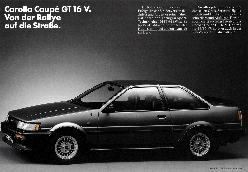 The German facelifted / kouki Toyota Corolla AE86 got a front spoiler, side skirts and bootlid spoiler